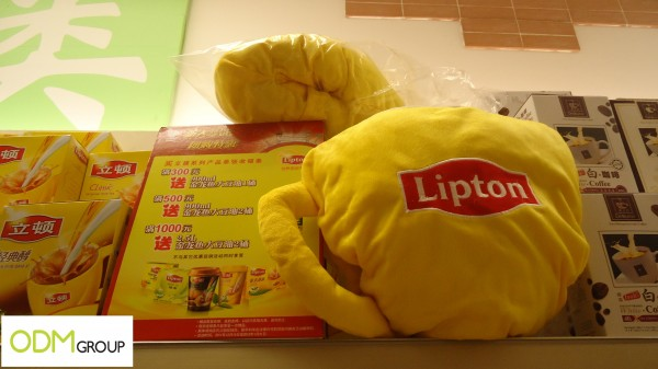Promotional Tea cushion 600x337 Gift With Purchase   Lipton Tea Cup Cushion